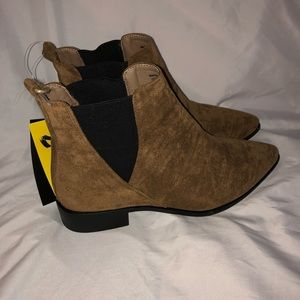 NWT Seven7 Ankle Booties